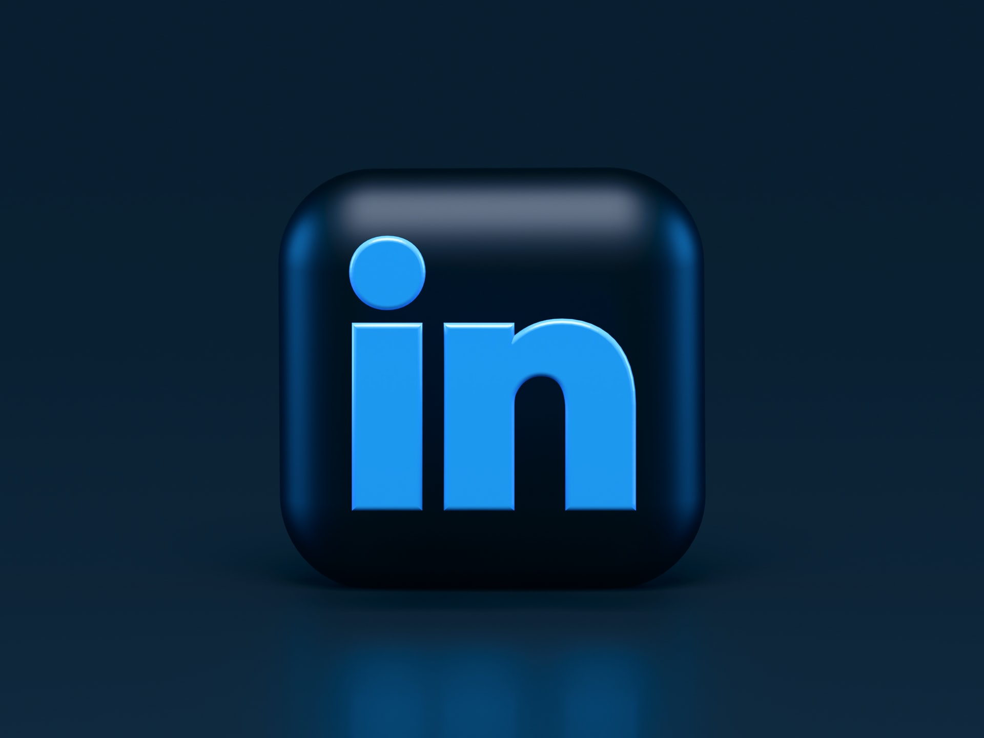 How to search resumes on LinkedIn?