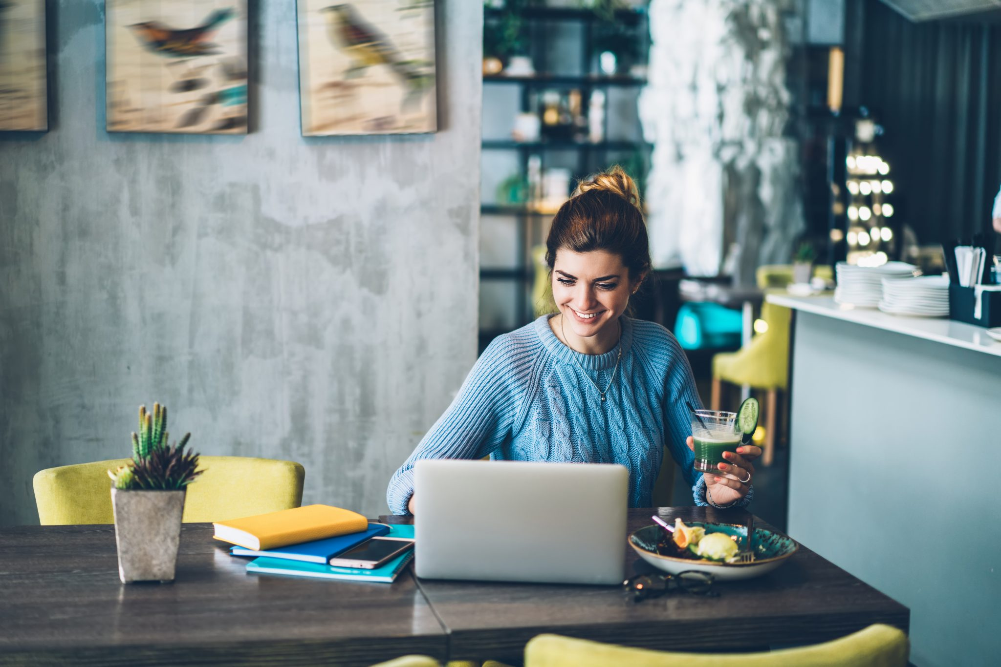 How To Hire a Virtual Assistant For Your Agency (5 Simple Steps)
