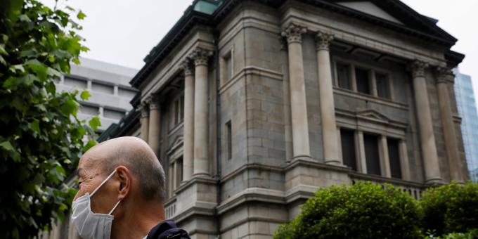 Japan pledges new approach to avoiding deflation