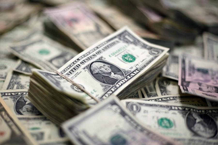 Dollar set for best week in three months but upside risk mooted
