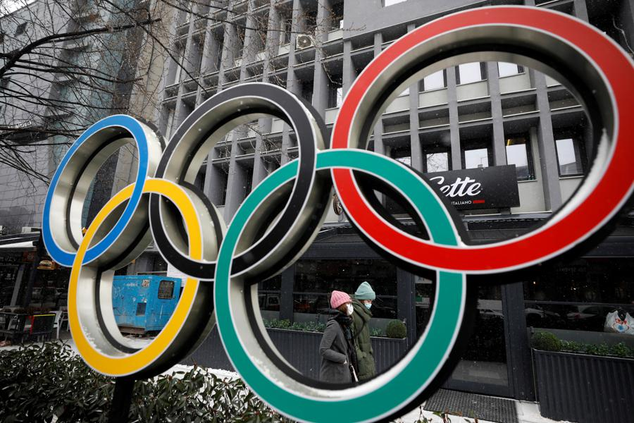 Most Japanese firms say Olympics should be postponed again