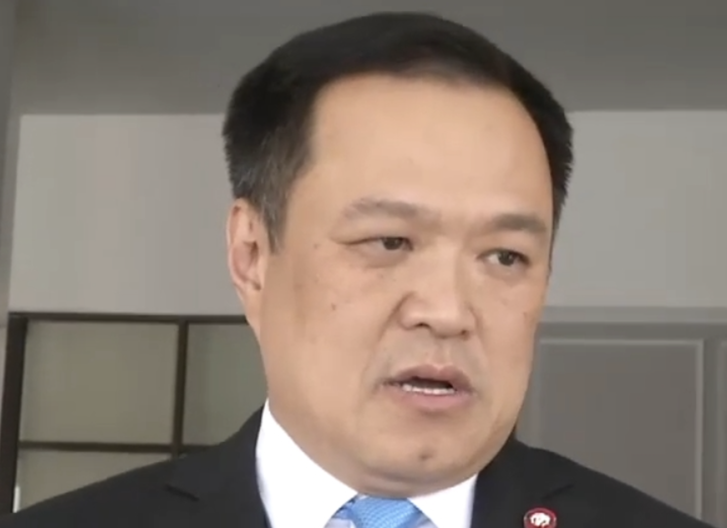Ministers first in line for Thai vaccines
