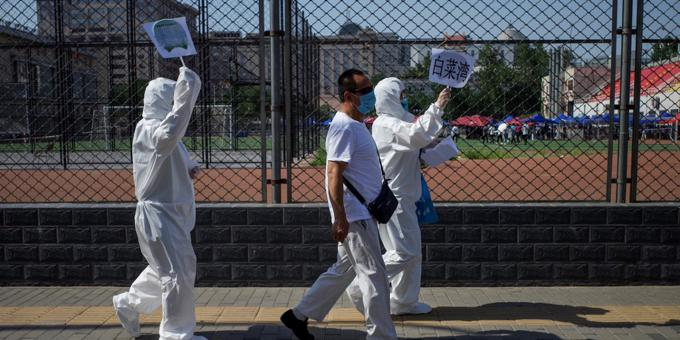 More virus aid as Beijing outbreaks climb
