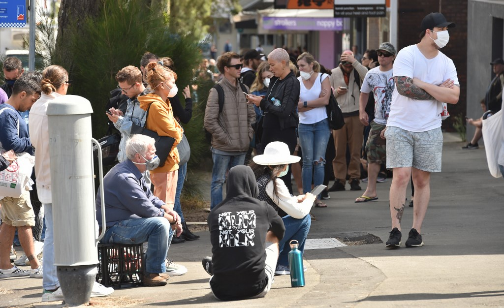 Echoes of Great Depression as jobless Aussies queue for help