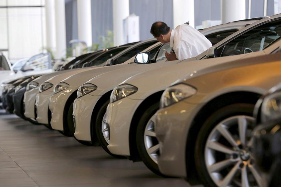 BMW looks to China JV, electric cars to deliver higher margins