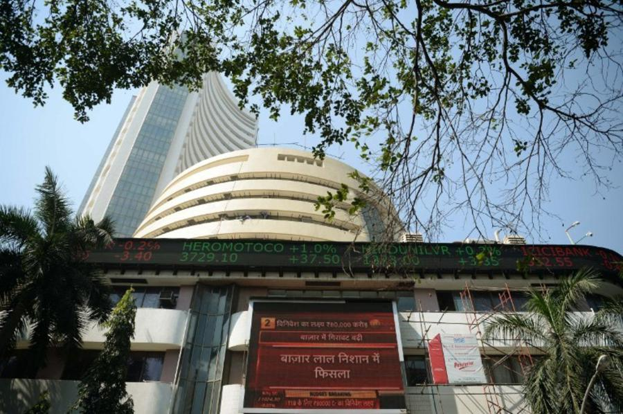 Foreign investors turn bulls on Indian equities