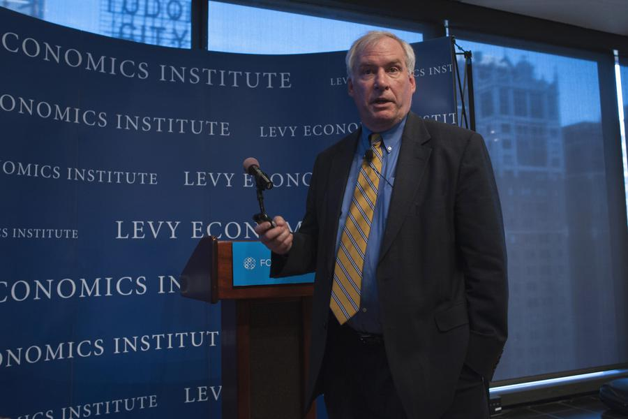 Fed policymakers say economy will be muted till virus contained