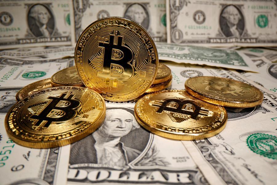 DoubleLine's Gundlach pulls back on bitcoin's 'dangerous' volatil
