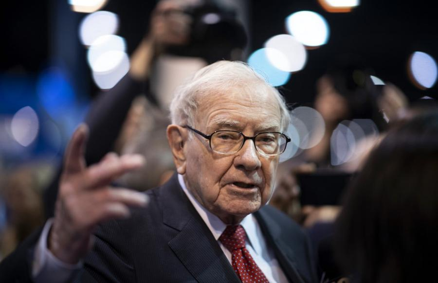 Buffett's Berkshire takes 5% stakes in Japan trading firms