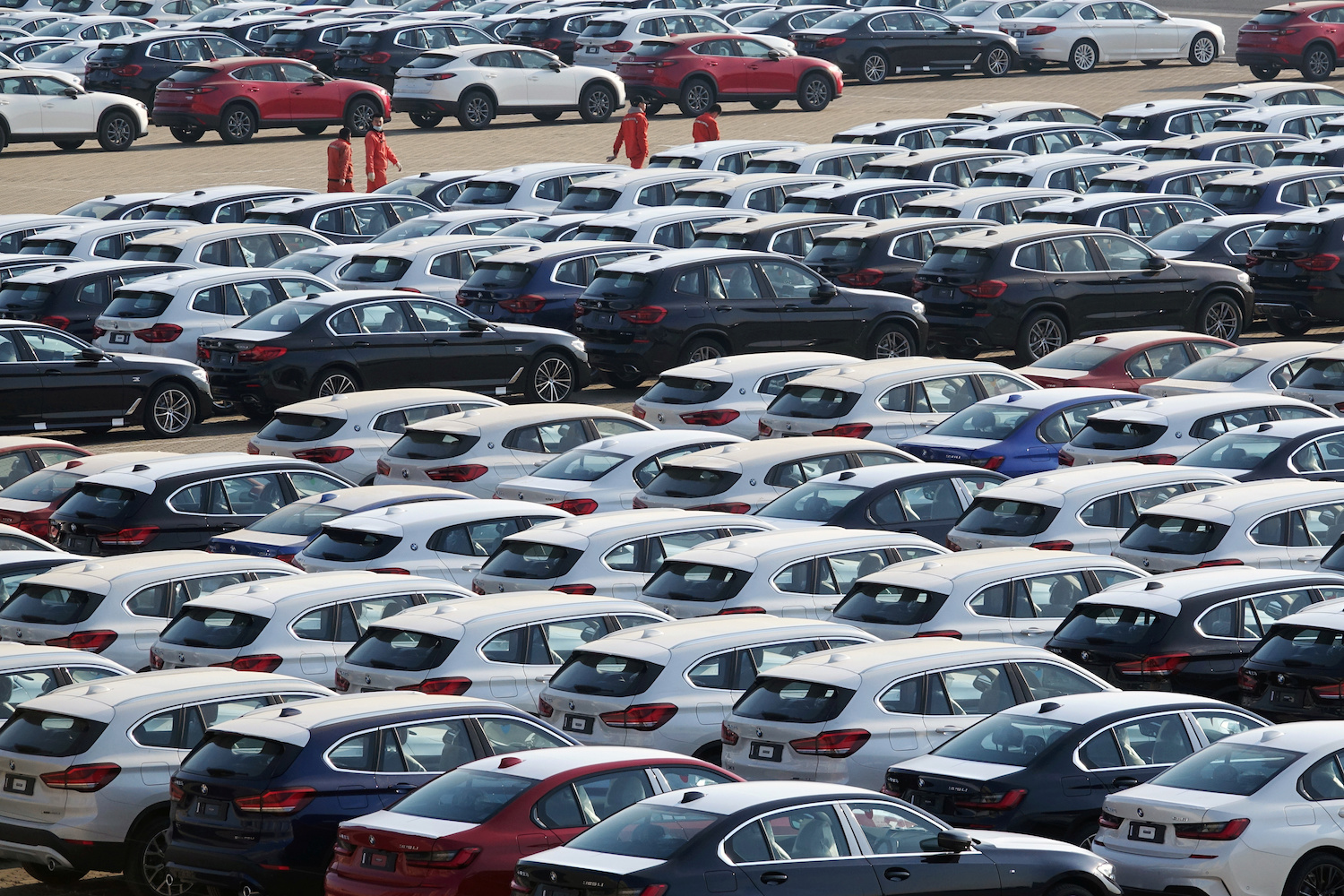 China's EV sales rise for 2nd month amid market recovery