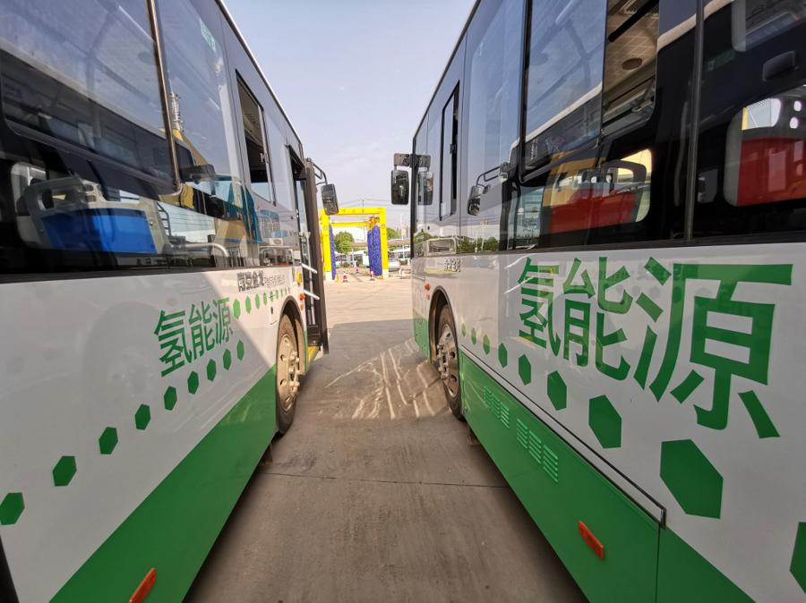 China to switch public sector vehicles to new energy