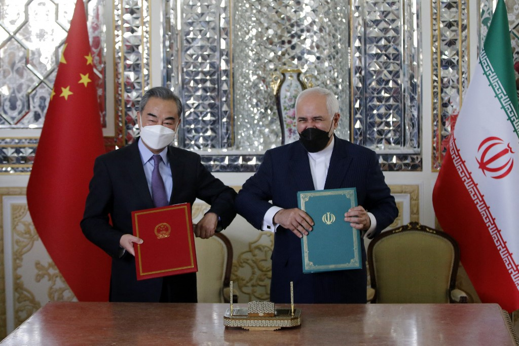 China and Iran sign $400-bn 25-year oil deal