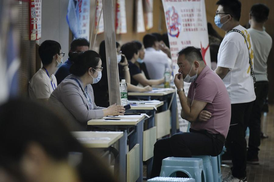 Markets rise as data shows Asian recovery
