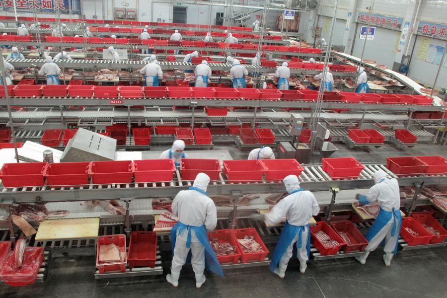 China factory deflation, retail inflation ease