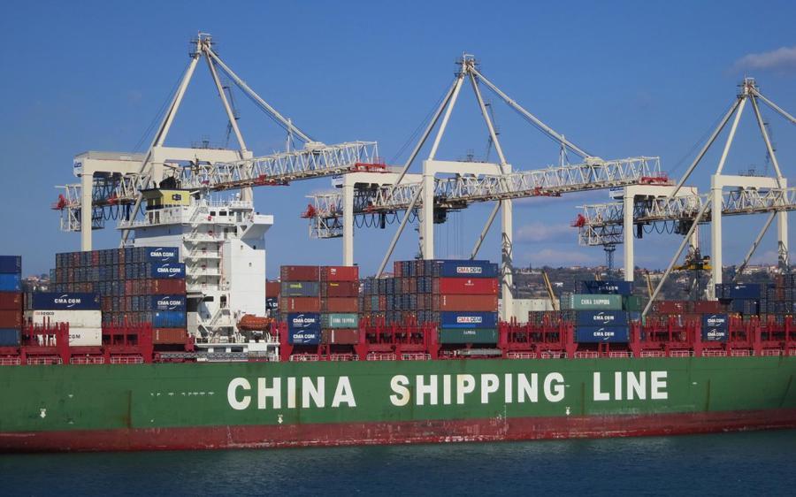Virus hammers global sea freight