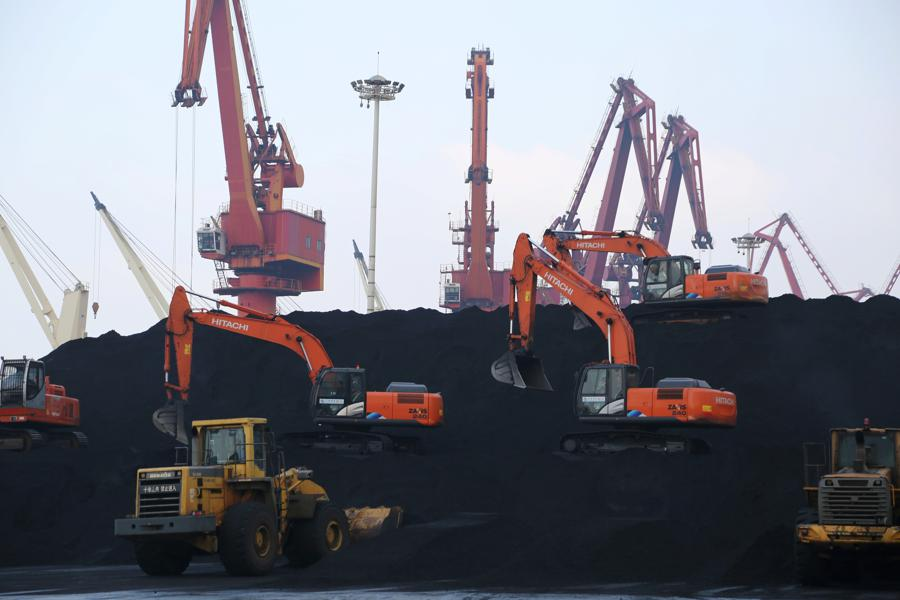 China's shift to renewables hampered by industry, harsh winter