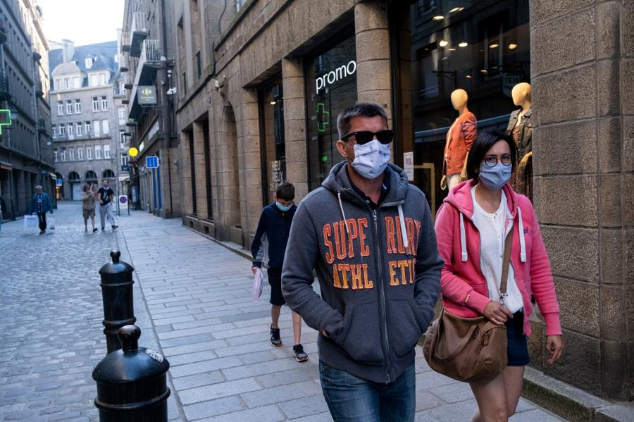 Pandemic drives broadest collapse in 150 years