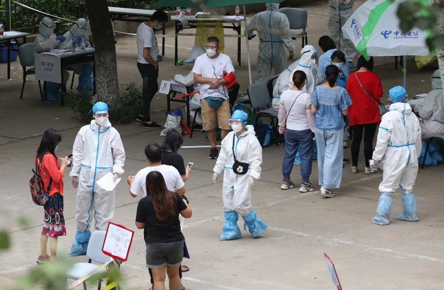 Confusion in Beijing over coronavirus spread