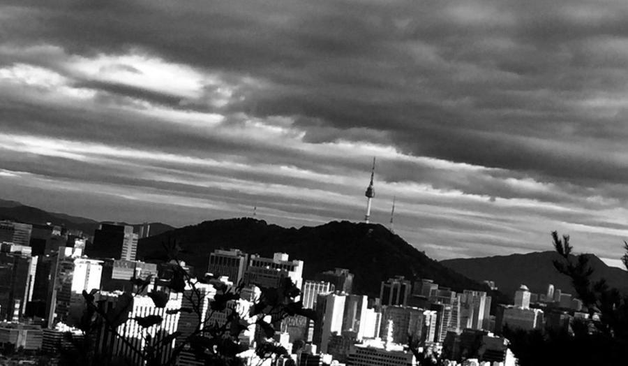 Seoul allows BoK, state banks to buy certain bonds