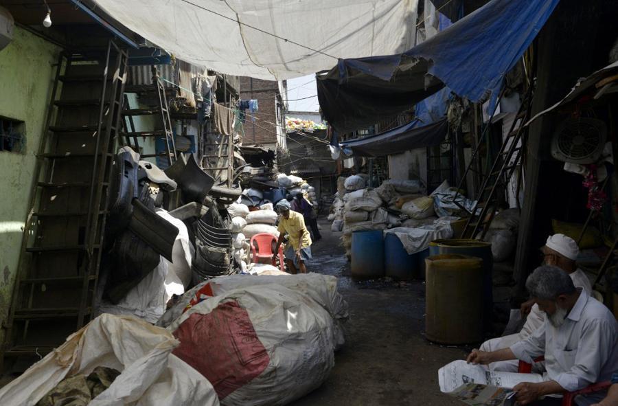 Indian mega-slum cordoned off after coronavirus deaths