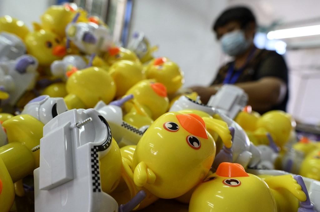 China price slump gives PBoC policy room