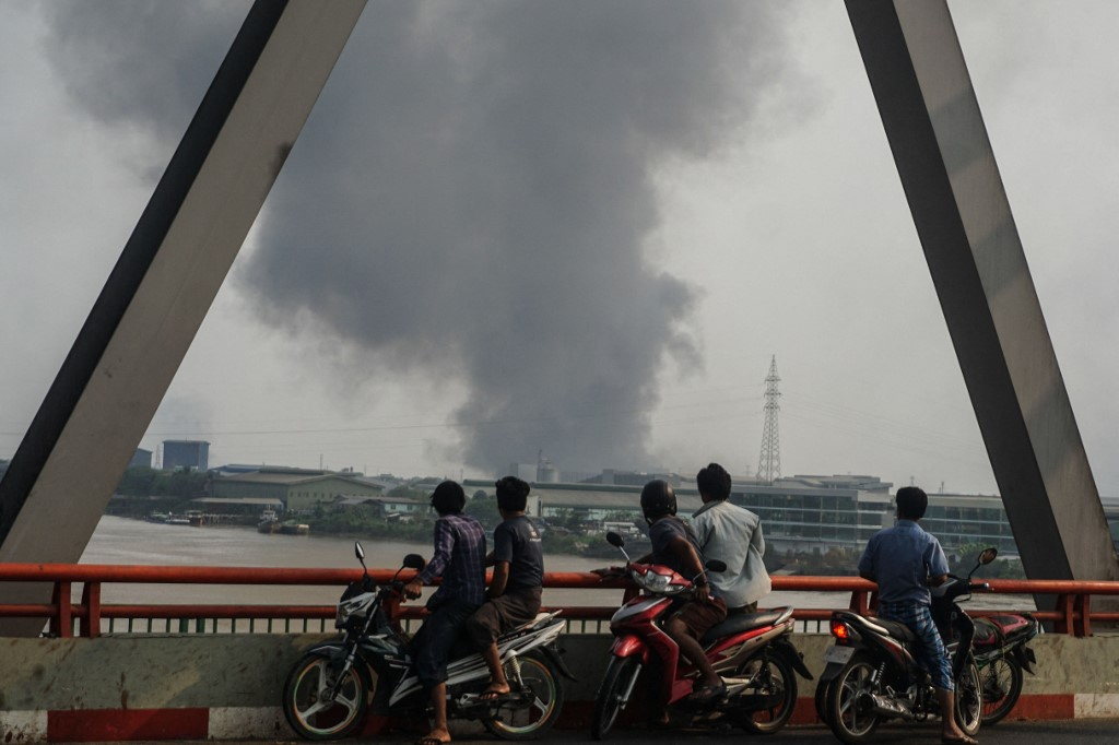 Chinese garment factories burnt down in Yangon