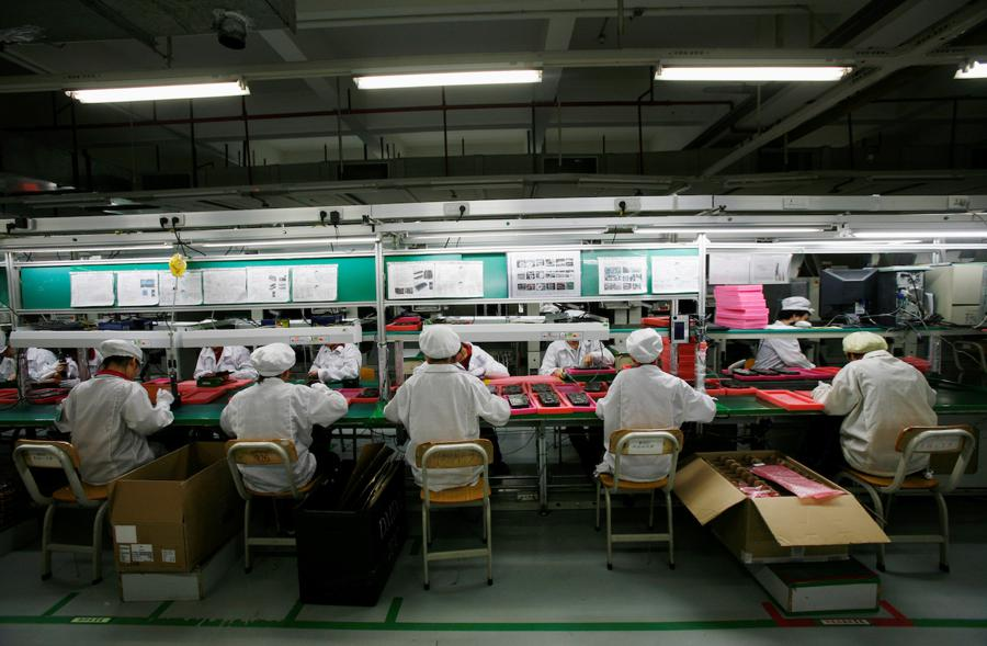 Foxconn squeezed by rival Apple supplier and Beijing