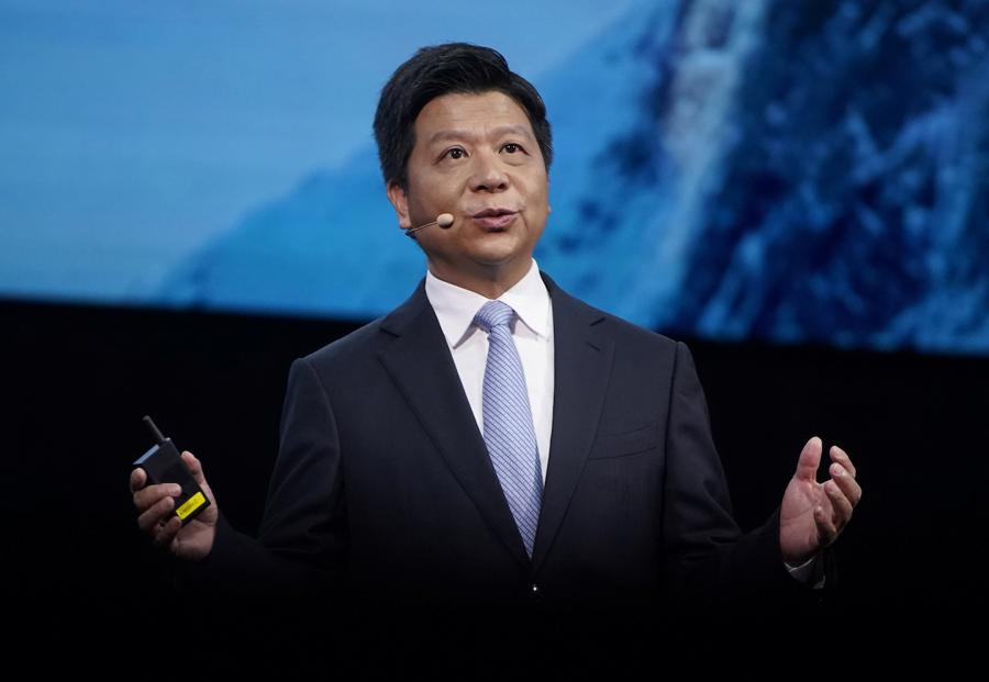 New Huawei chairman bends the knee to Qualcomm