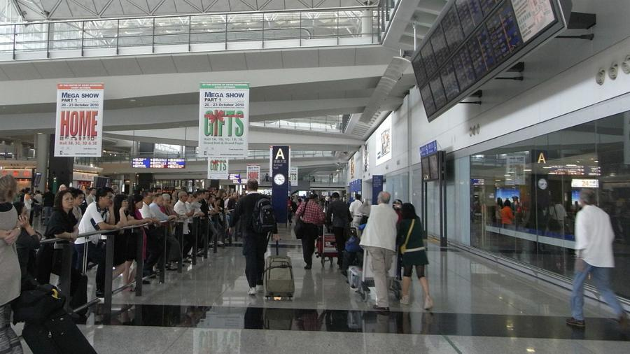 Home quarantine for all travelers to Hong Kong