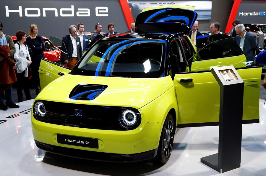 Honda goes small with first all-electric car