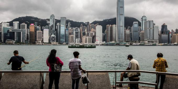HK investors stamp their disapproval