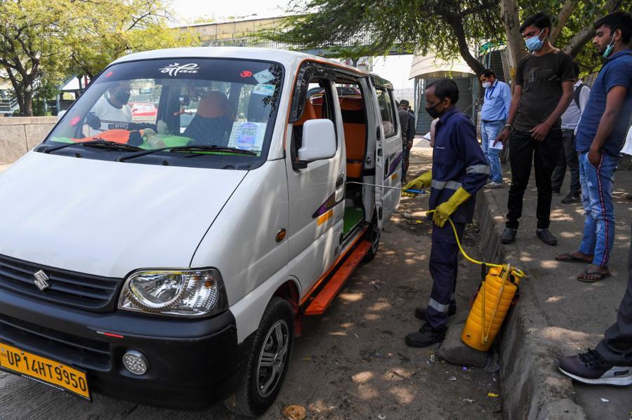 India imposes 1-day curfew to combat virus