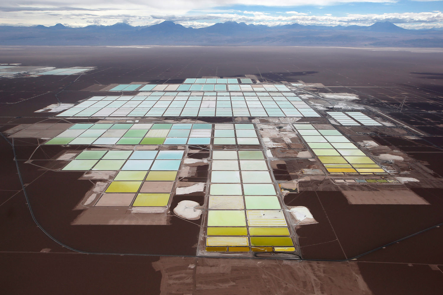 Aussie lithium miners upbeat over China's electric vehicle boom