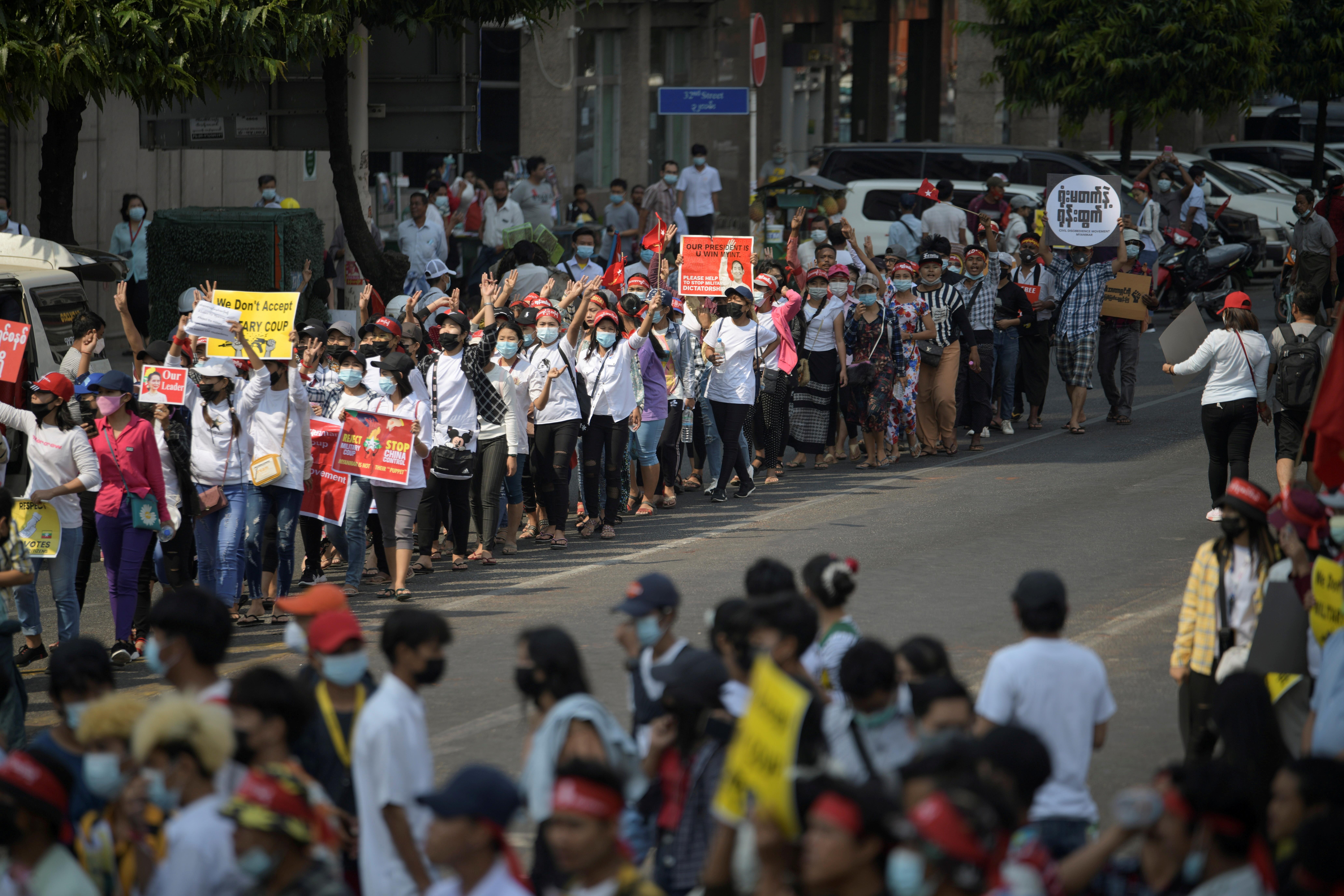 Deaths, violence escalate in Myanmar crackdown