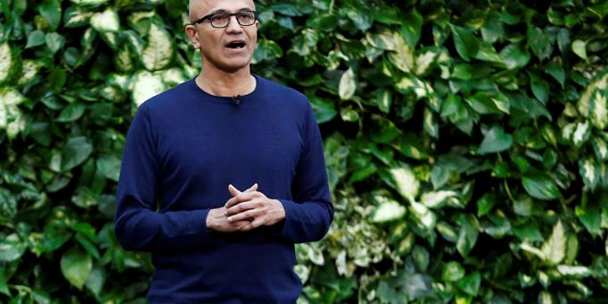 Microsoft backs pay-for-news plan with challenge to Google