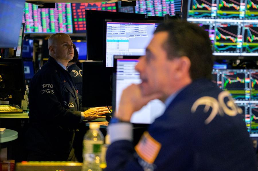 Investor sentiment lifted by sustained coronavirus retreat