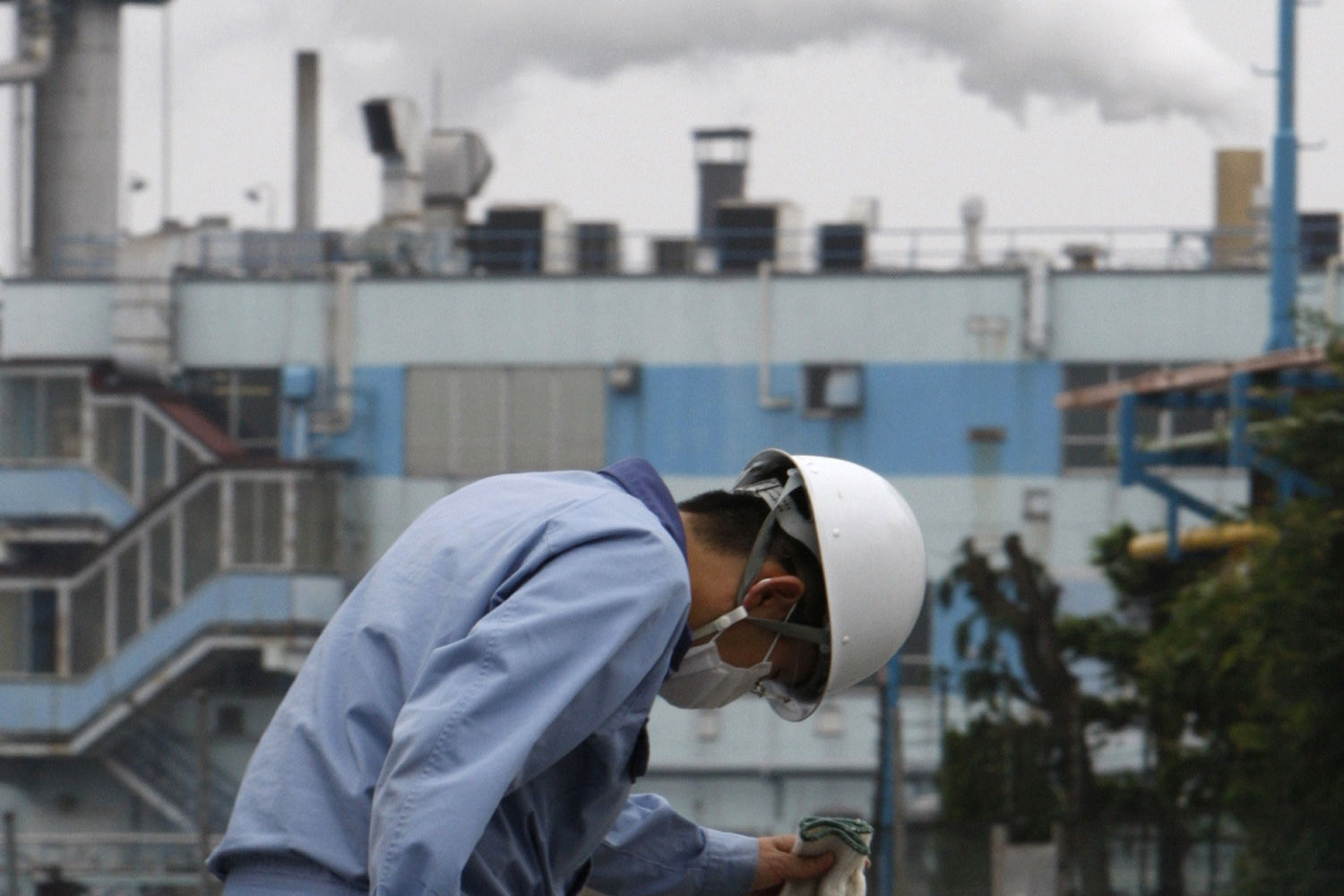 Japan sets itself tougher targets on emissions reduction