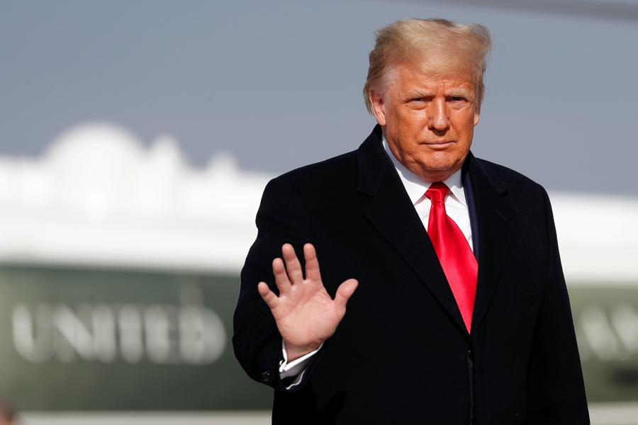 Market looks past Trump fuss, virus strains