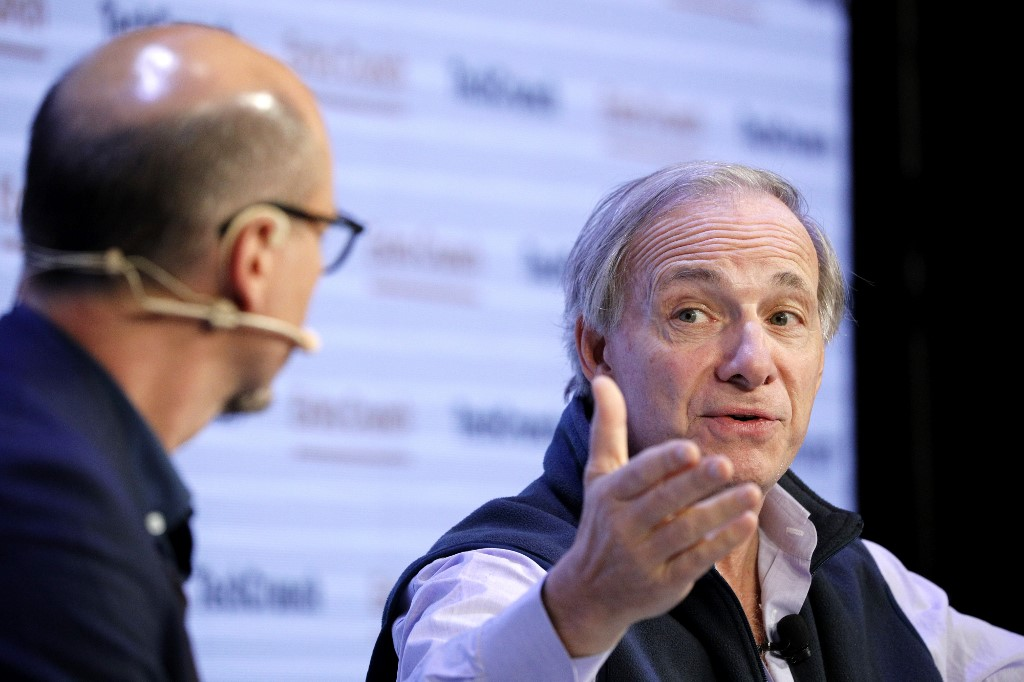 Dalio says foreign portfolios should target 15%China holdings