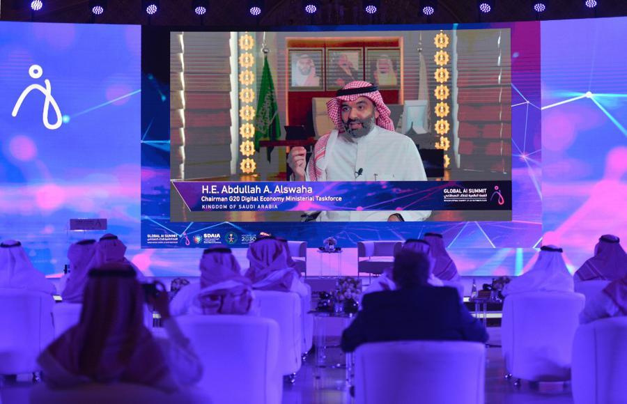 Saudi wealth fund backs Mukesh Ambani's retail move