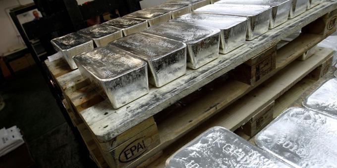 Reddit traders swarm silver and SPACs, Robinhood raises $2.4 bn