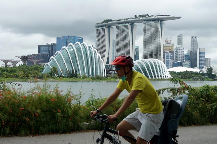 Virus-hit Singapore plunges into recession