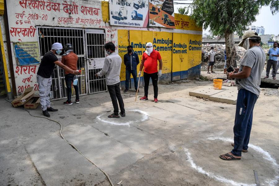 India's services PMI crashes as lockdown hobbles economy