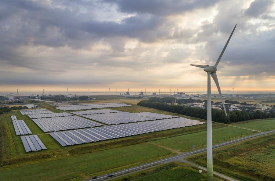 Wind and solar power at record high in 2020, coal dips