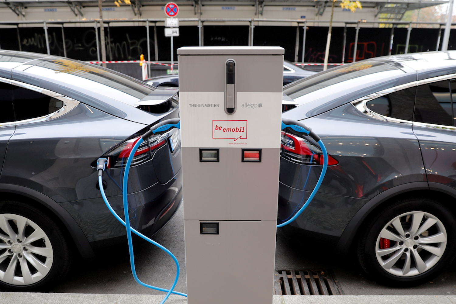 China and Europe fuel surge in electric vehicle ownership
