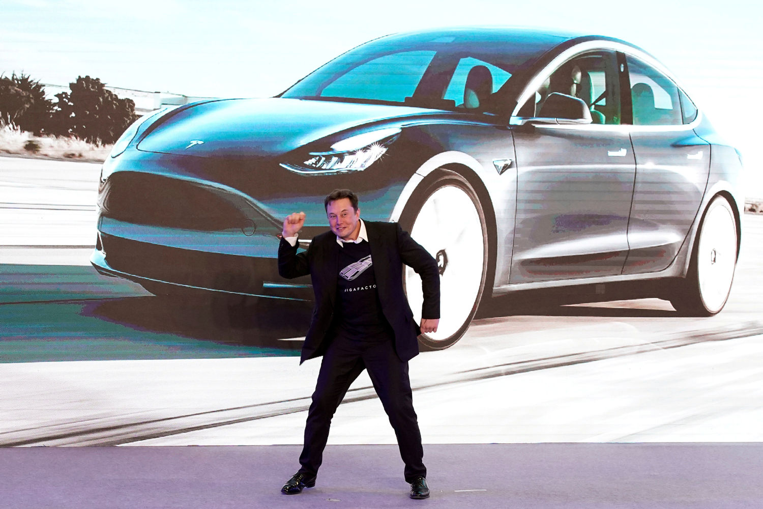 Tesla summoned to China regulator over technical, safety issues