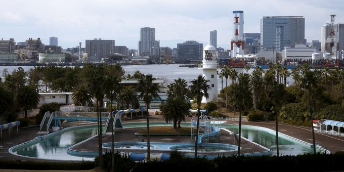 Japan needs a third budget to help ailing economy: poll