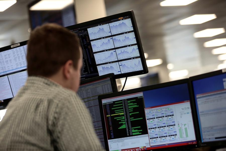 Hong Kong stocks battered by US sanctions