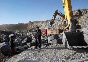 Chinese plunder rare earth mines in northern Myanmar