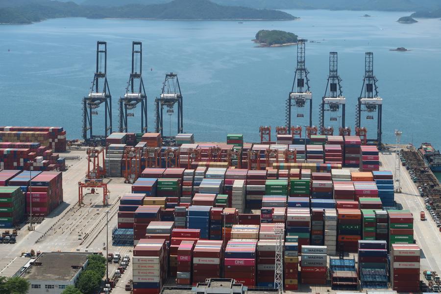 China exports rise as stimuli lifts global demand